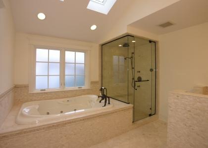 2225_covert_MLS_HID326179_ROOMmasterbathroom