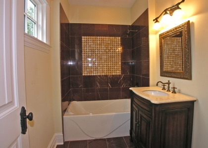 2548_glenview_road_MLS1148036_HID308331_ROOMbathroom