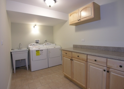 2548_glenview_road_MLS1148036_HID308331_ROOMlaundryroom