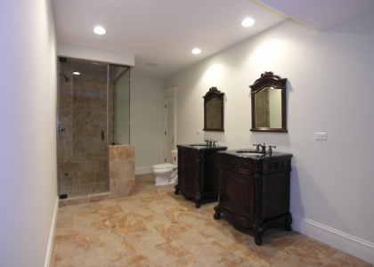 2548_glenview_road_MLS1148036_HID308331_ROOMlowerlevelbath